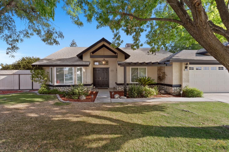 11716 Jimrik Avenue, Bakersfield, CA 93312