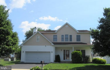 SFR located at 4 New Mills Dr