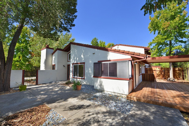Better Homes And Gardens Postal Address 847 W Spain St