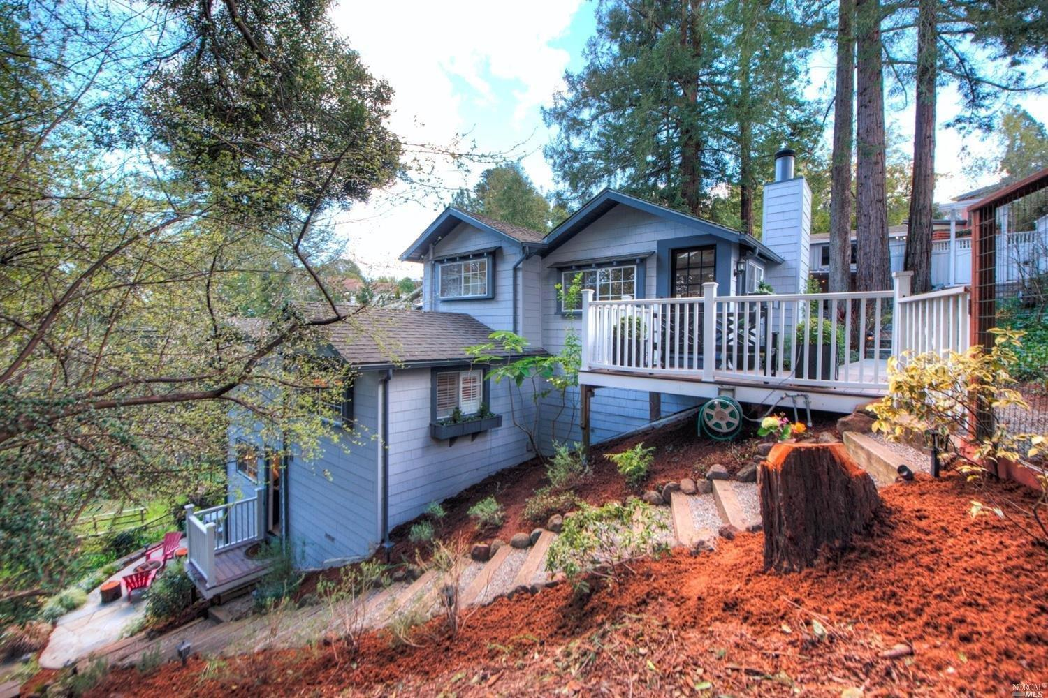 233 molino ave mill valley ca mls 21704885 ziprealty for Homes in mill valley ca