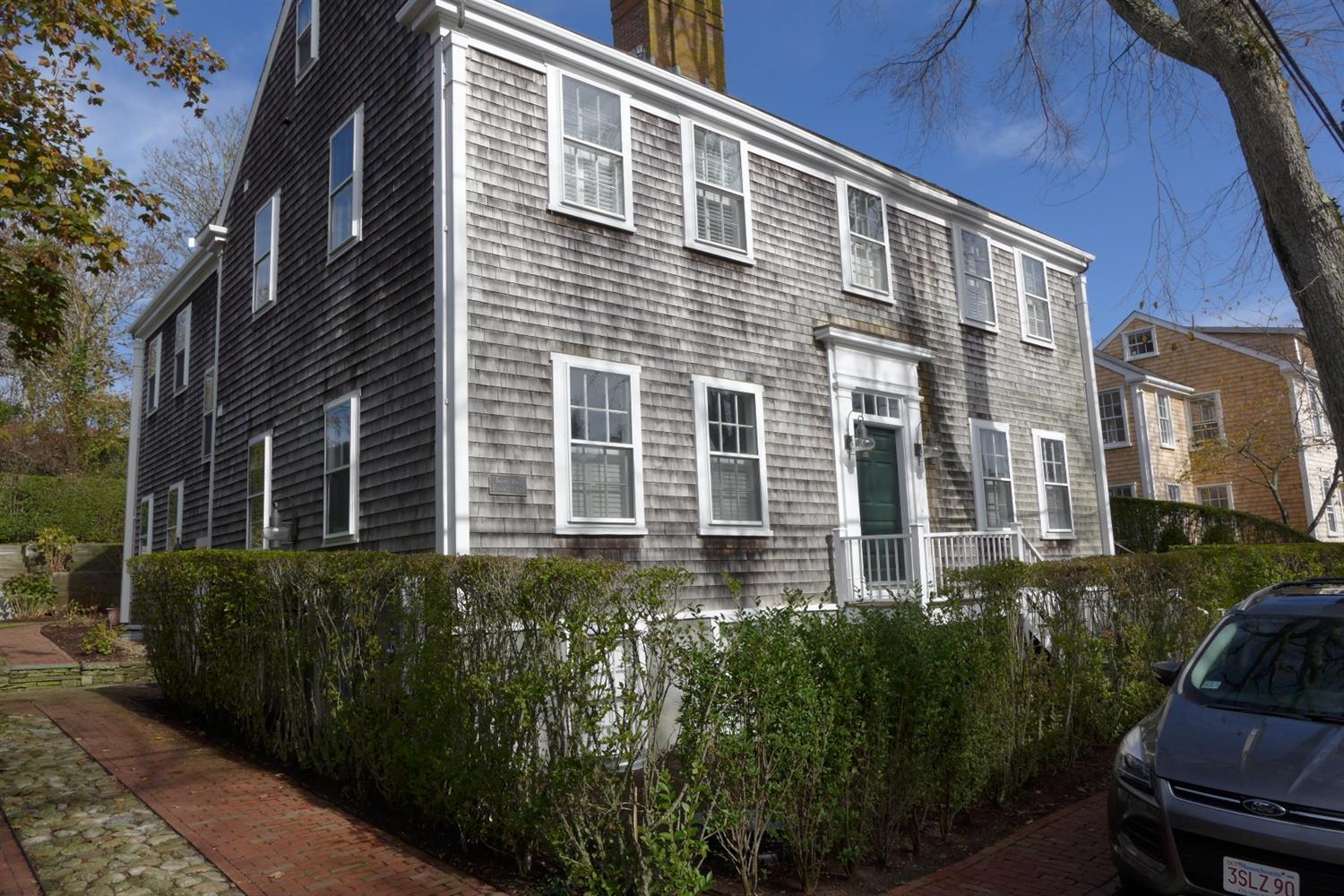23 w chester st nantucket ma mls 21609368 ziprealty for Houses for sale on nantucket