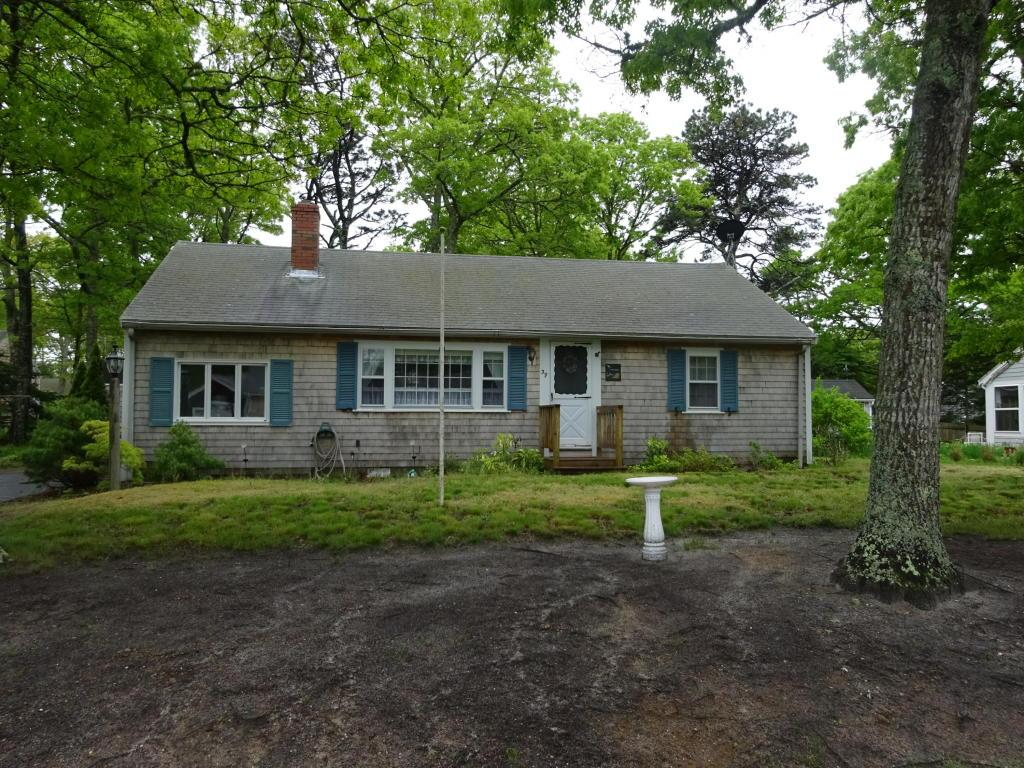 39 hickory ln south dennis ma mls 21712818 coldwell for Hickory lane