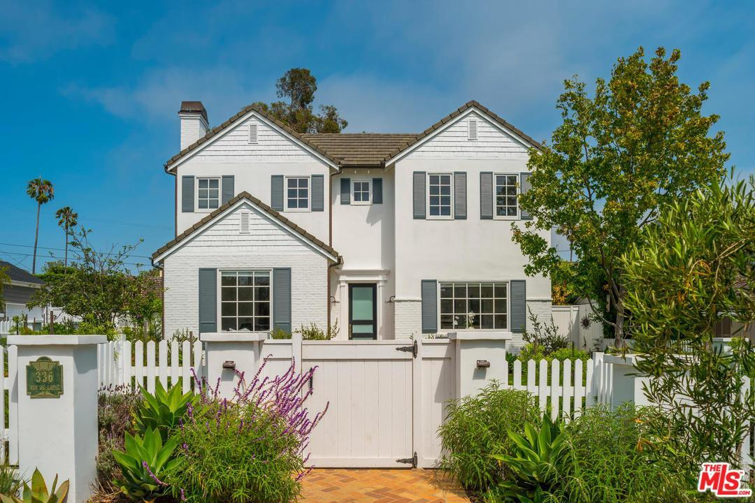 pacific palisades dating site Word on the celebrity real estate street, via gossip juggernaut x17, is that ben affleck is in escrow and about to seal the deal on a brand spanking new, never lived in east coast style mansion in .