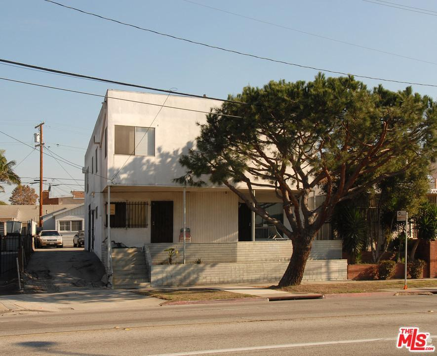 704 centinela ave inglewood ca mls 17293320 ziprealty for Inglewood jewelry and loan inglewood ca