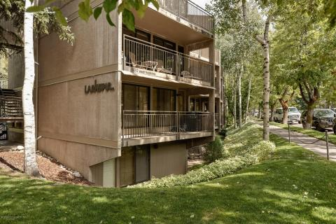 Fantastic Local Real Estate Homes For Sale Aspen Co Coldwell Banker Download Free Architecture Designs Ferenbritishbridgeorg
