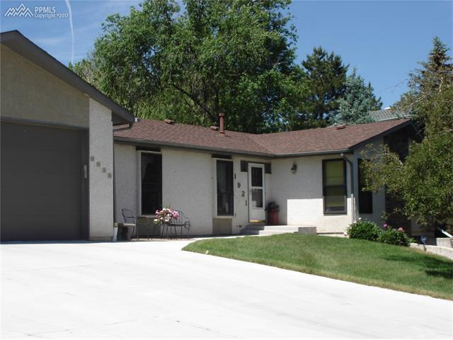 3921 wesley dr colorado springs co mls 6675549 for 3590 maison vw colorado springs co 80906