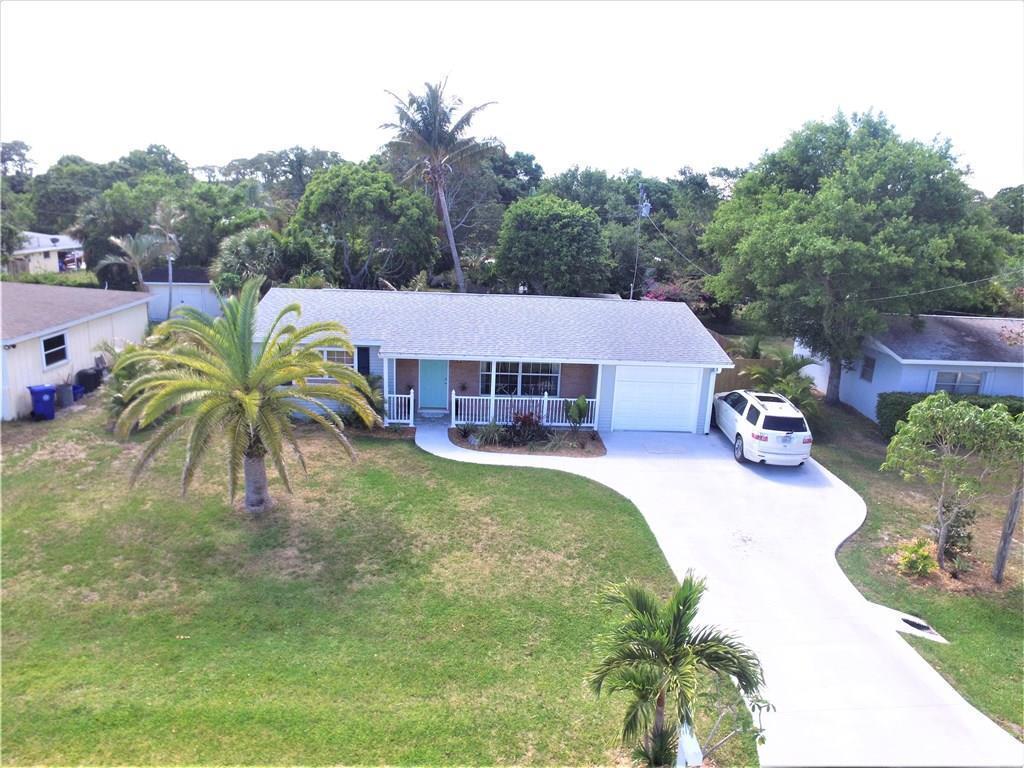 725 17th Ave, Vero Beach, FL — MLS# 203592 — Coldwell Banker