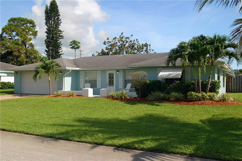 379 Franklin Rd Tequesta Fl Mls M20006100 Better Homes And Gardens Real Estate