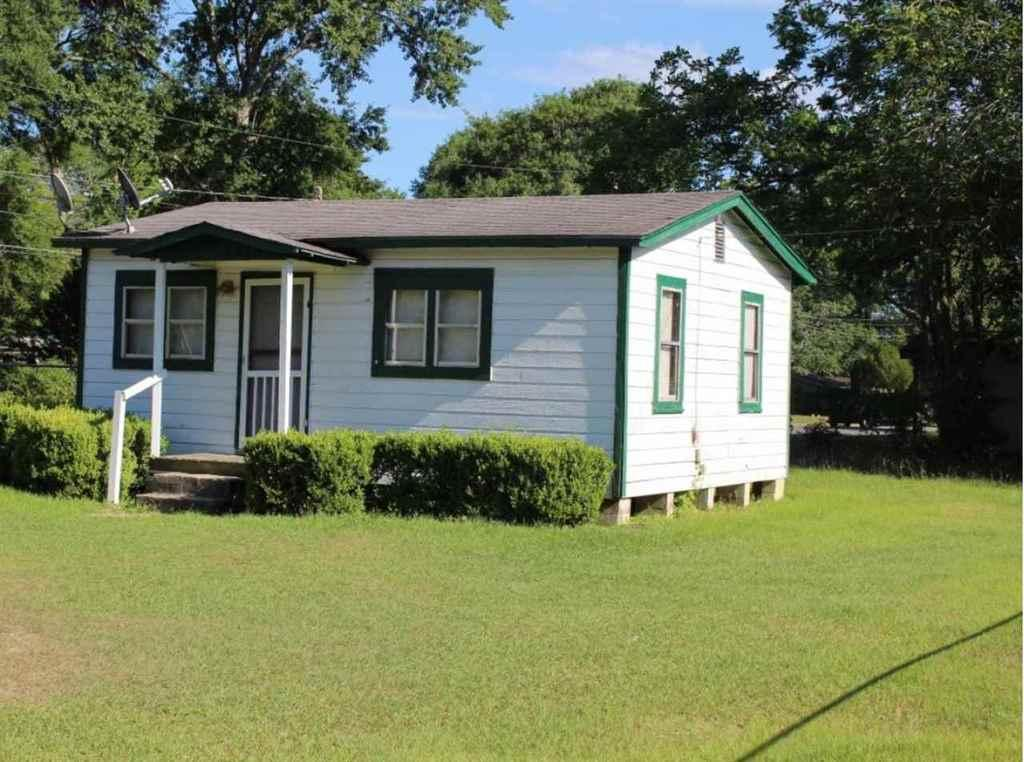 1603 smith st quincy fl mls 284123 coldwell banker