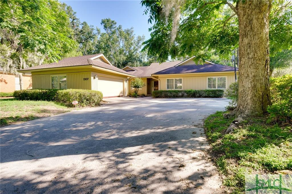 1207 sweetbriar cir savannah ga mls 172485 better for Sweetbriar garden homes