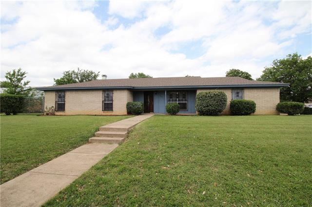 3241 Bunker Hill Dr Forest Hill Tx Mls 13583440 Better Homes And Gardens Real Estate