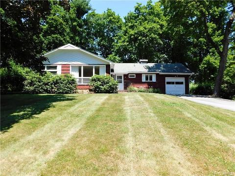 Local Warwick, NY Real Estate Listings and Homes for Sale | BHGRE