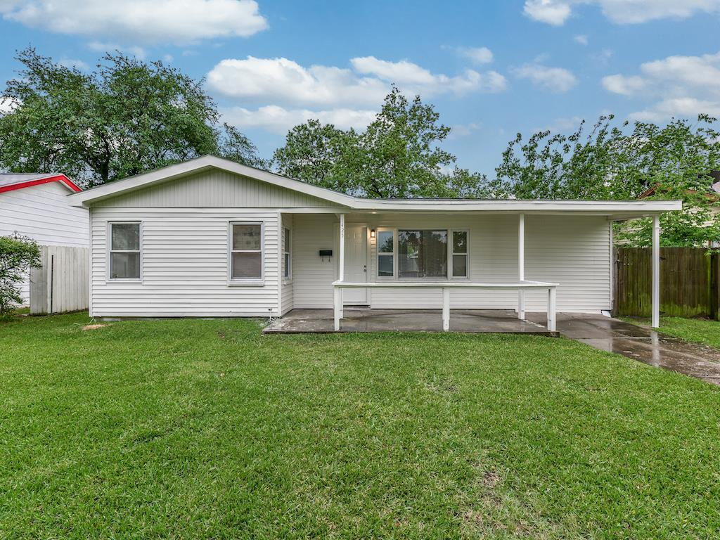 1425 2ND AVE N, TEXAS CITY, TX — MLS# 16374645 — Better Homes and ...