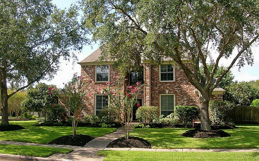 Debbie Richardson Of Better Homes And Gardens Real Estate Gary Greene In Alvin Tx