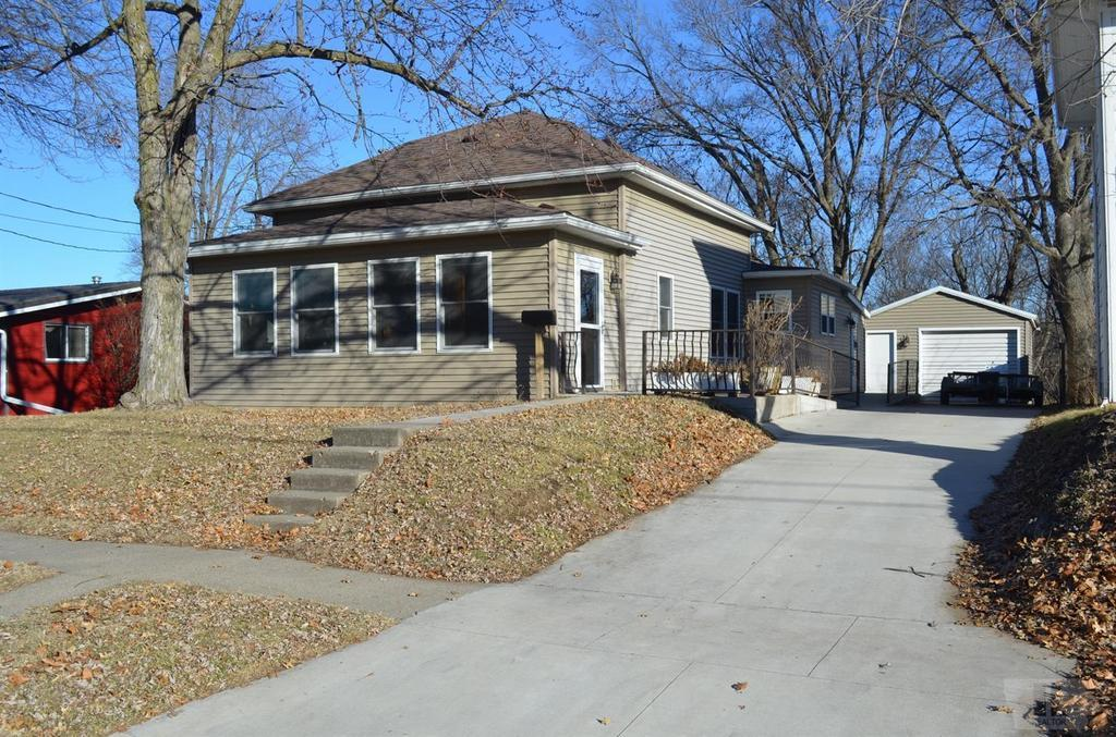 local real estate open houses for sale oskaloosa ia coldwell rh coldwellbanker com
