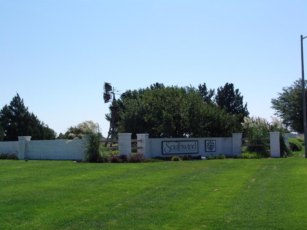 1407 Grandview Dr E Garden City Ks Mls 15867 Coldwell Banker