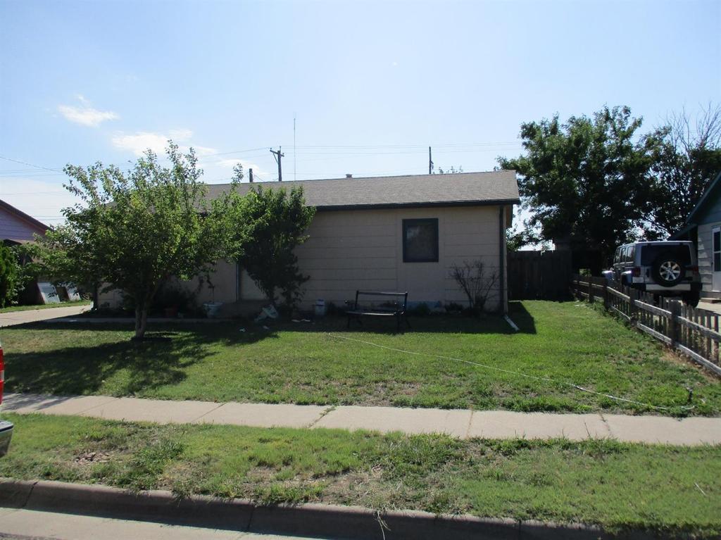 2401 N Lee Ave Garden City Ks Mls 15873 Coldwell Banker