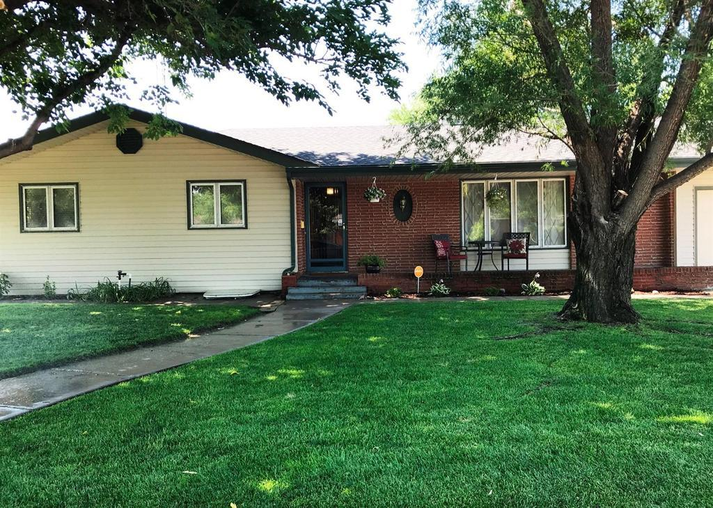 706 PATS DR, GARDEN CITY, KS — MLS# 16374 — Coldwell Banker