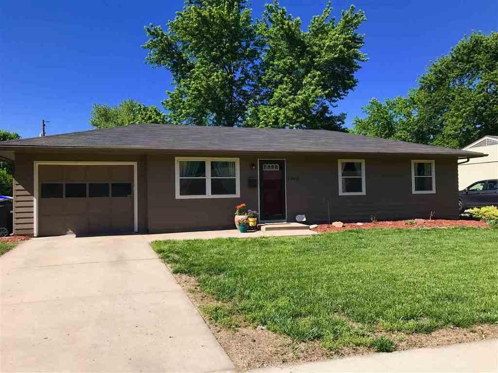 4200 sw 34th st topeka ks mls 195048 coldwell banker for Topeka home builders