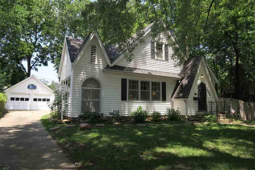 1339 Sw Campbell Ave Topeka Ks Mls 195975 Coldwell