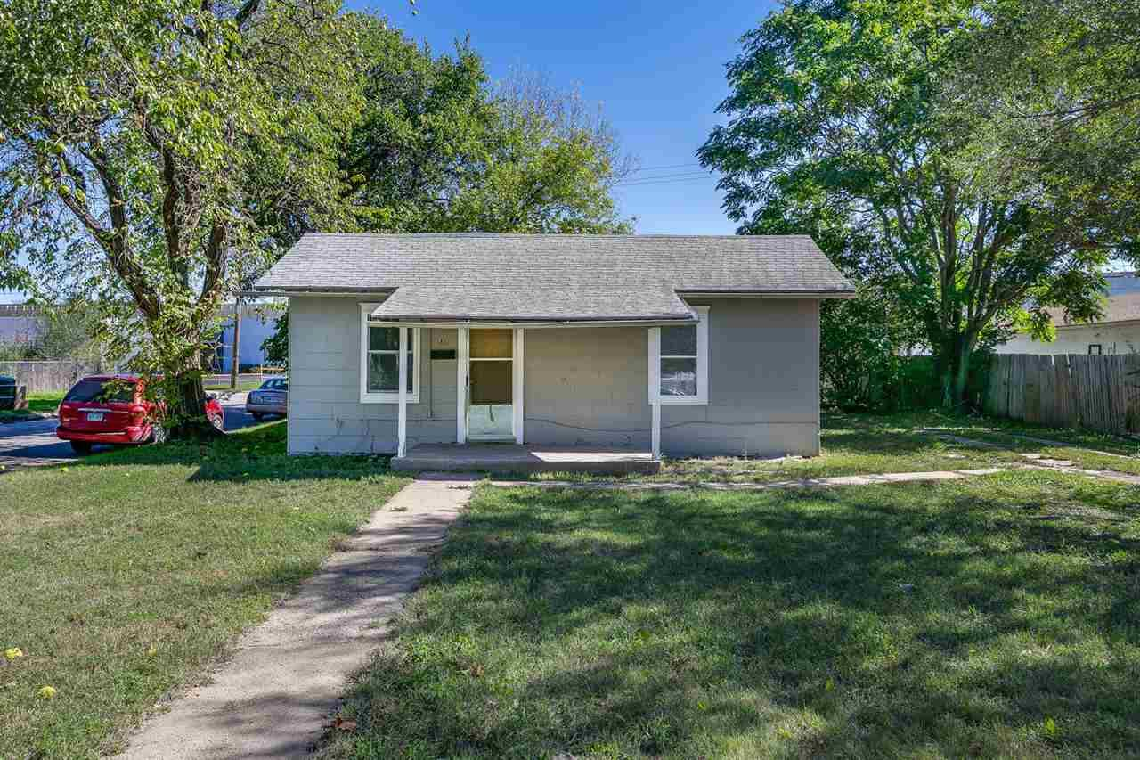 1802 s santa fe st wichita ks mls 542742 better for Home builders wichita ks