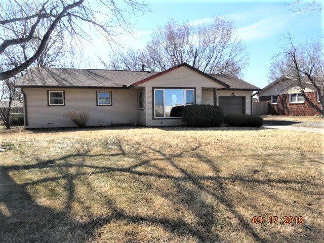 518 N Redbarn Lane 518 N Redbarn Ln Wichita Ks Mls 548786 Better Homes And Gardens