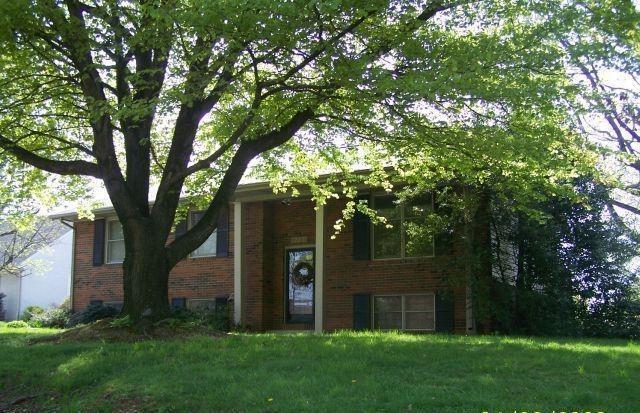 2226 fairview dr owensboro ky mls 71664 era. Black Bedroom Furniture Sets. Home Design Ideas
