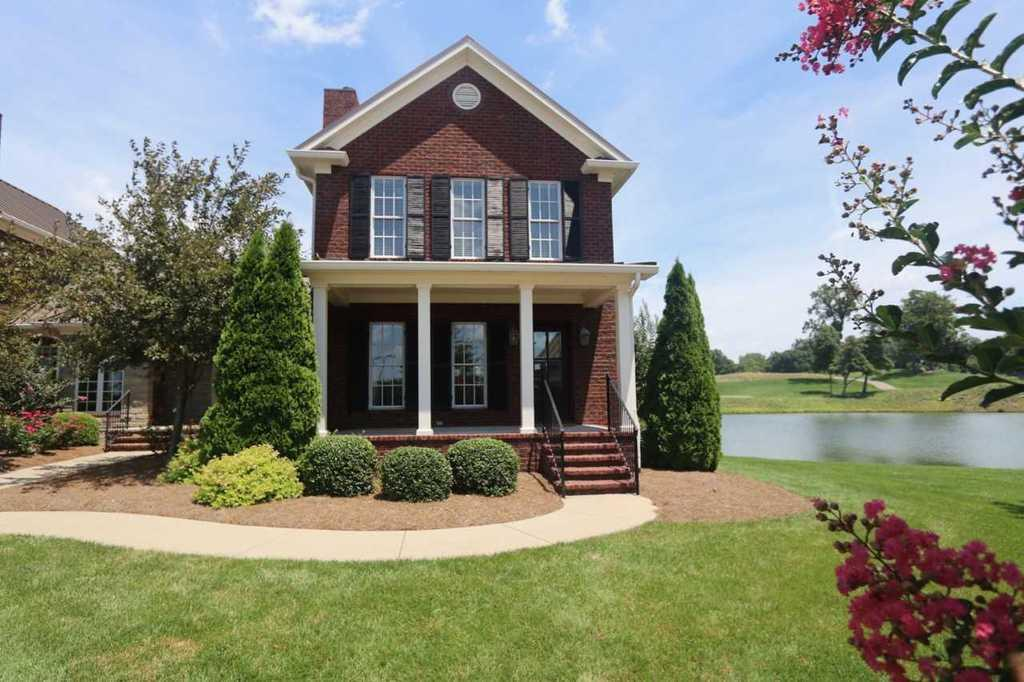 402 club st bowling green ky mls 20172575 coldwell for Home builders bowling green ky