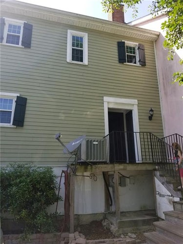 SFR located at 1 Place Lafitte