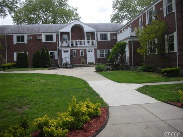 25414 74th ave g 2 glen oaks ny mls 2938013 ziprealty for 4 glen terrace glenville ny