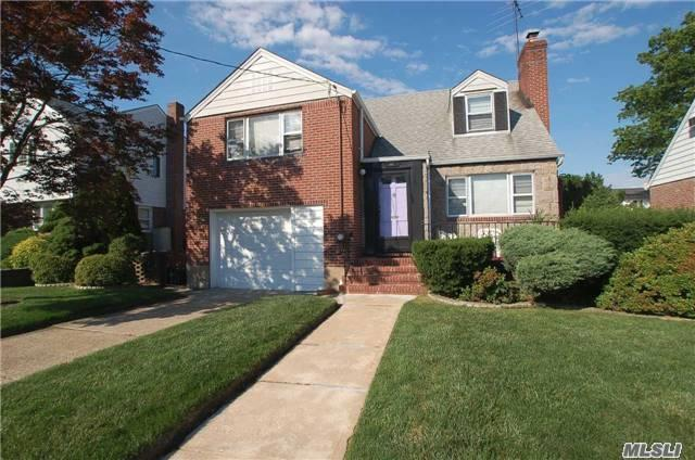 916 N 1st St New Hyde Park Ny Mls 2950792 Better Homes And Gardens Real Estate