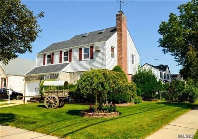 436 Leonard Blvd New Hyde Park Ny Mls 2972498 Century 21 Real Estate