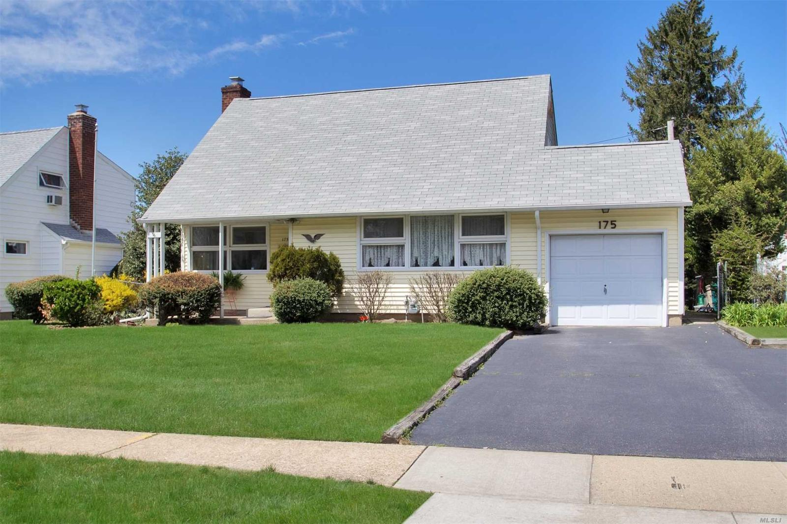 175 Meadow St, Garden City, NY — MLS# 3024519 — Coldwell Banker