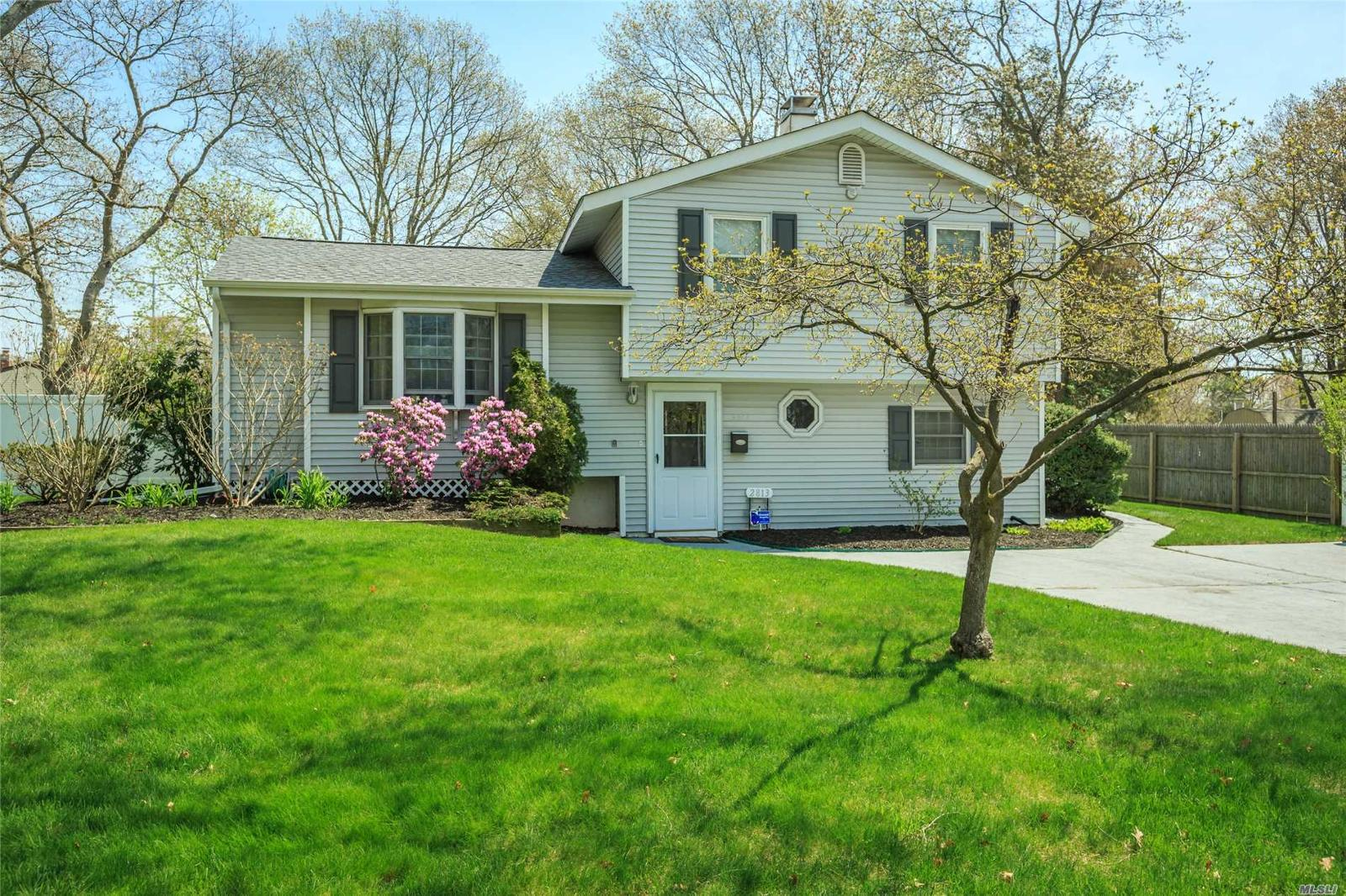 Local Real Estate: Homes for Sale — Medford, NY — Coldwell Banker
