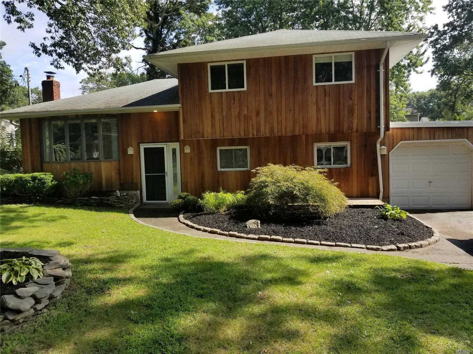 Homes for Sale in Lake Grove NY — Lake Grove Real Estate — ZipRealty