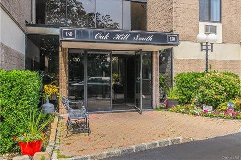 130 Colonial Parkway #1E