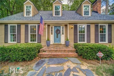 Swell Local Real Estate Homes For Sale 30008 Coldwell Banker Home Interior And Landscaping Elinuenasavecom