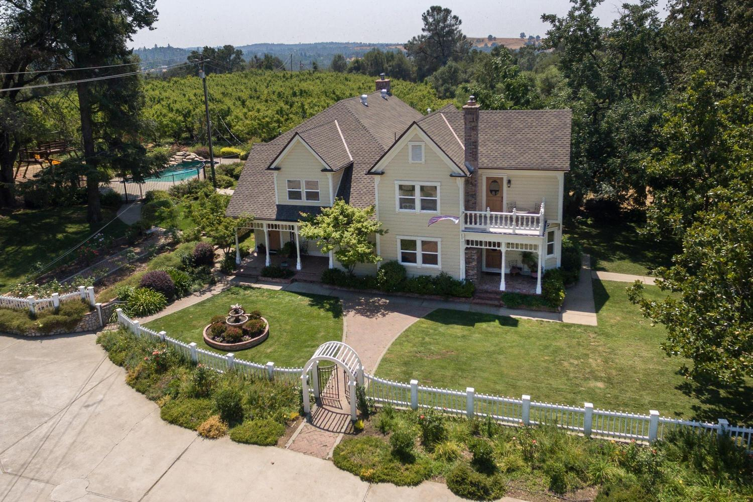 Persimmon Homes Share Price >> 1141 Persimmon Ln, Placerville, CA — MLS# 18003515 — ZipRealty