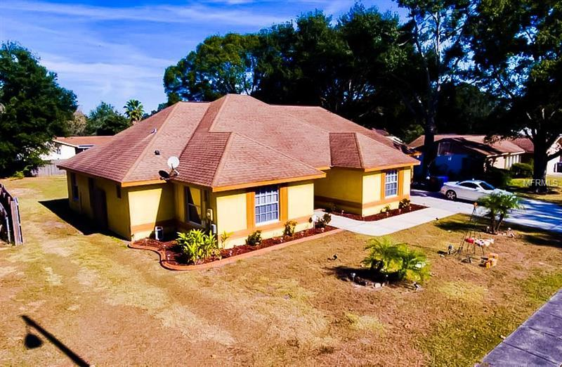 510 Hickory Lake Dr Brandon Fl Mls T2915844 Better Homes And Gardens Real Estate
