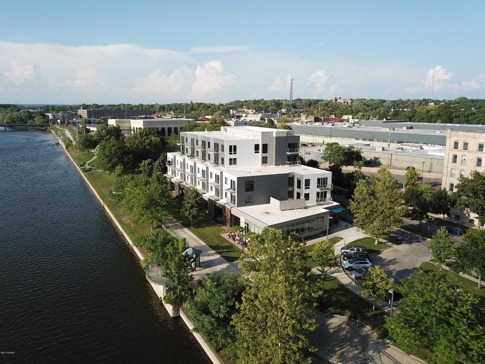 1001 Monroe Ave NW # 201 #201, Grand Rapids, MI — MLS# 18038951 ...