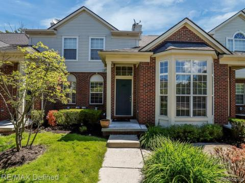 Walled Lake Real Estate | Find Homes for Sale in Walled Lake, MI