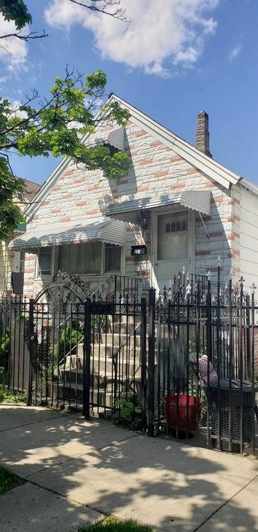 SFR located at 4840 S Loomis Street