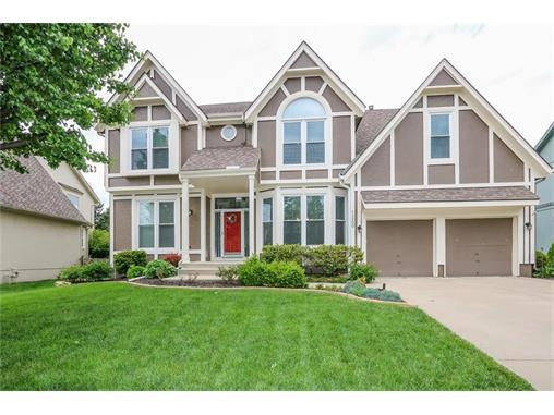 11300 W 129th Ter Overland Park Ks Mls 2044789 Better Homes And Gardens Real Estate