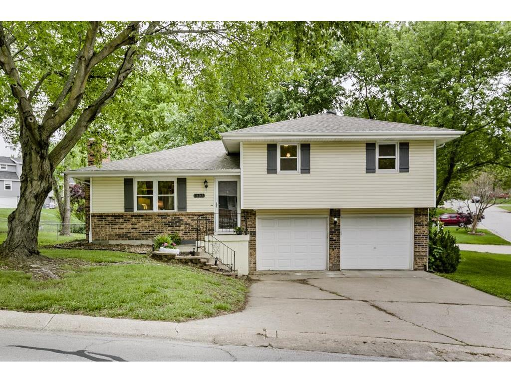 6701 Nw Hidden Valley Rd Kansas City Mo Mls 2046344