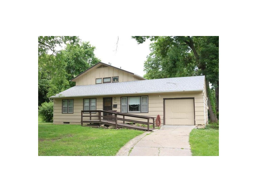 8400 W 68th Ter Overland Park Ks Mls 2049777 Better Homes And Gardens Real Estate
