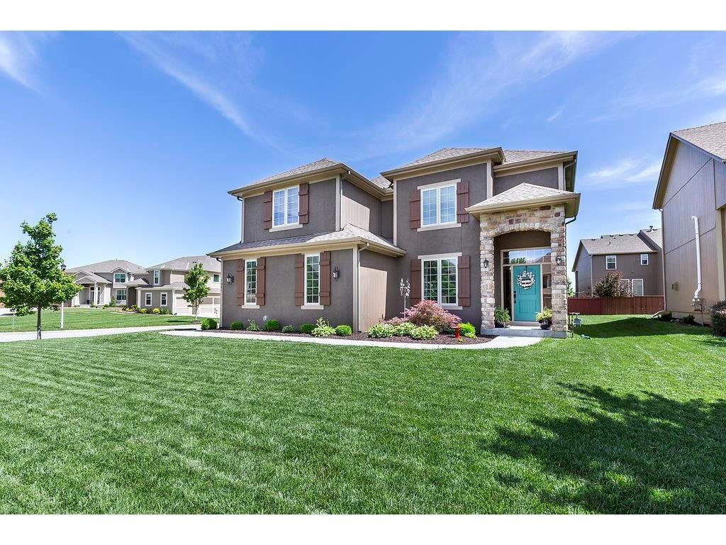 7851 W 155th Ter Overland Park Ks Mls 2051106 Better Homes And Gardens Real Estate