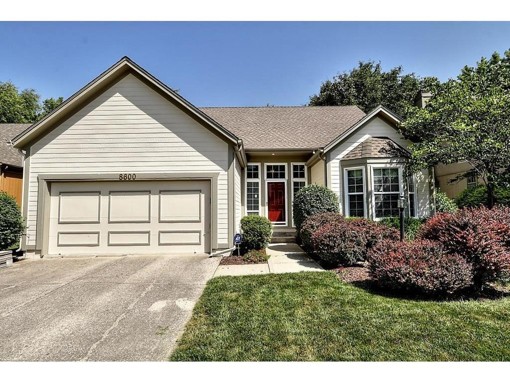 8600 W 152nd Ter Overland Park Ks Mls 2052277 Better Homes And Gardens Real Estate