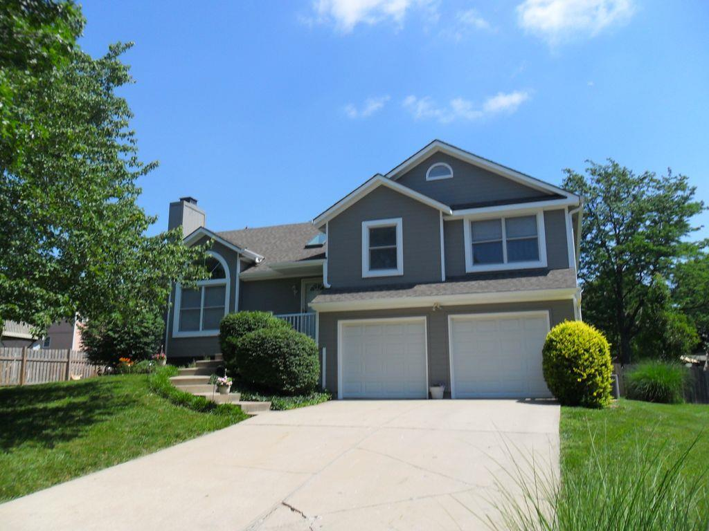 6706 W 156th Ter Overland Park Ks Mls 2054857 Better Homes And Gardens Real Estate