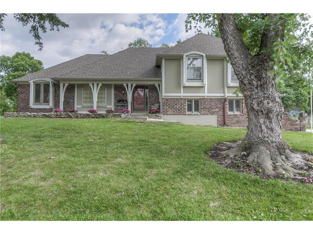 9609 W 105th Ter Overland Park Ks Mls 2055383 Better Homes And Gardens Real Estate