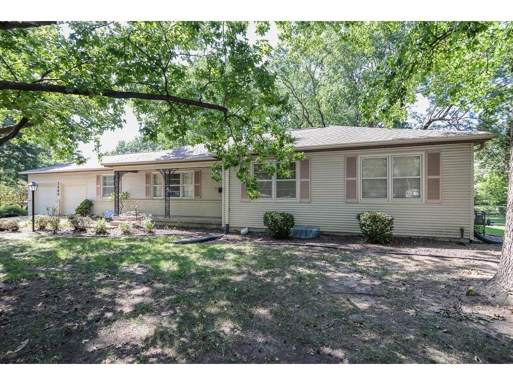 3900 W 98th Ter Overland Park Ks Mls 2059726 Better Homes And Gardens Real Estate